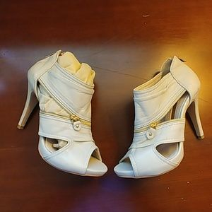 Shoes - Cream Colored booties